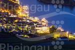 Blick auf das nächtliche Rüdesheim vom Niederwald-Denkmal